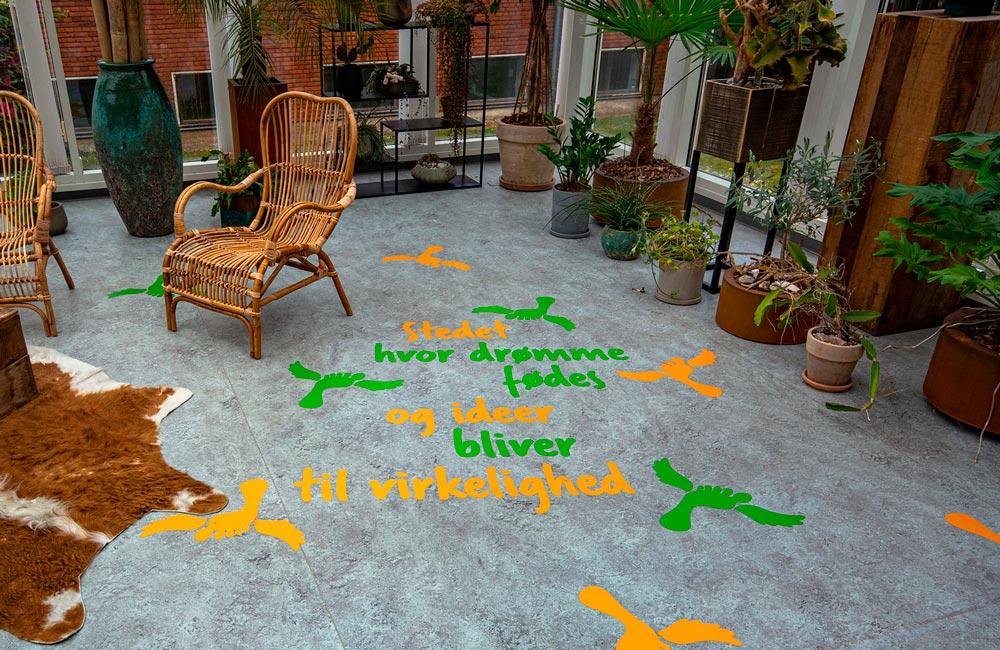 VitaPark selvklæbende folie på gulv