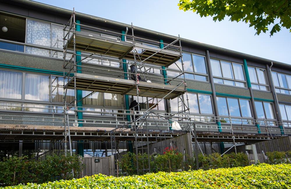 Selvklæbende folie på hele facaden til Boligkontoret Fredericia