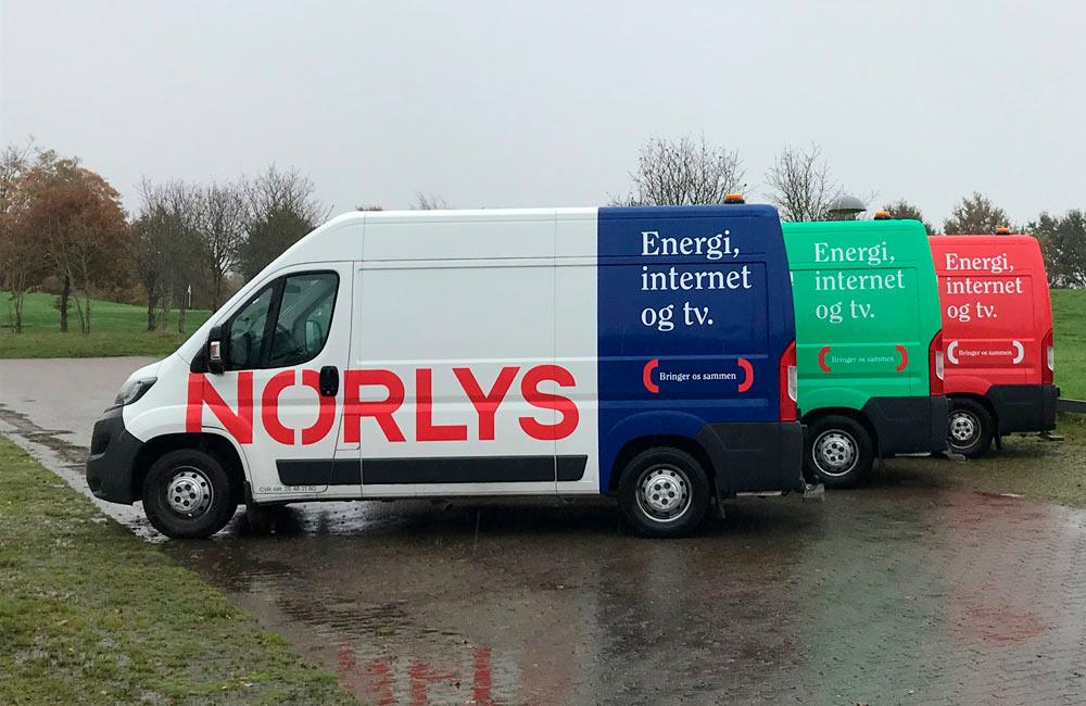 Bilreklame på Norlys-vogne
